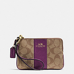 CORNER ZIP WRISTLET IN SIGNATURE COATED CANVAS WITH LEATHER - f64233 - IMITATION GOLD/KHAKI/PLUM