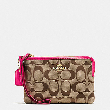 COACH f64375 CORNER ZIP WRISTLET IN SIGNATURE IMITATION GOLD/KHAKI/PINK RUBY