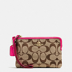 COACH CORNER ZIP WRISTLET IN SIGNATURE - IMITATION GOLD/KHAKI/PINK RUBY - F64375