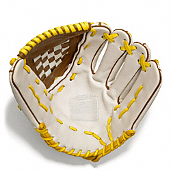 COACH HERITAGE BASEBALL LEATHER COLORBLOCKED GLOVE - PARCHMENT/FAWN - F64496