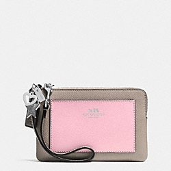 COACH CHARM CORNER ZIP WRISTLET IN CROSSGRAIN LEATHER - SILVER/PETAL MULTI - F64582