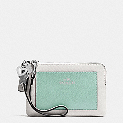 COACH CHARM CORNER ZIP WRISTLET IN CROSSGRAIN LEATHER - SILVER/SEAGLASS MULTI - F64582