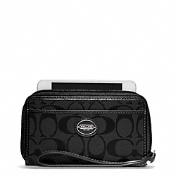 COACH SIGNATURE EAST/WEST UNIVERSAL CASE - ONE COLOR - F64997