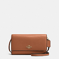 PHONE CROSSBODY IN PEBBLE LEATHER - f65284 - IMITATION GOLD/SADDLE