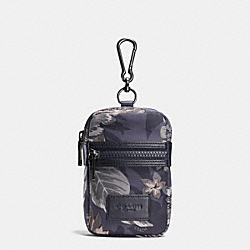 COACH SMALL BEACH POUCH IN POLYESTER - HAWAIIAN PALM - F65300