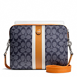SIGNATURE STRIPE PVC STRIPE TABLET CROSSBODY - f65381 - SILVER/NAVY/ORANGE SPICE