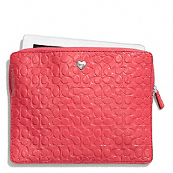 EMBOSSED LIQUID GLOSS EAST/WEST TABLET SLEEVE COACH F65714
