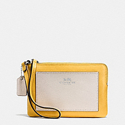 COACH CORNER ZIP WRISTLET IN COLORBLOCK CROSSGRAIN LEATHER - SILVER/CANARY MULTI - F65758