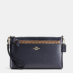 WRISTLET WITH POP UP POUCH IN CROSSGRAIN LEATHER - f65807 - IMITATION GOLD/MIDNIGHT