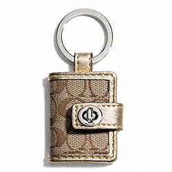 COACH SIGNATURE TURNLOCK PICTURE FRAME KEY RING - SILVER/KHAKI/METALLIC - F65817