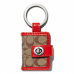 COACH SIGNATURE TURNLOCK PICTURE FRAME KEY RING - SILVER/KHAKI/VERMILLION - F65817