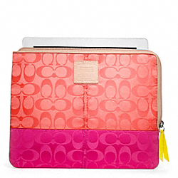 WEEKEND COLORBLOCK NYLON L-ZIP IPAD SLEEVE COACH F65858