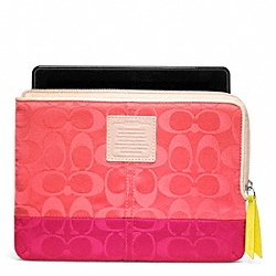 COACH LEGACY WEEKEND COLORBLOCK NYLON L-ZIP E-READER SLEEVE - SILVER/CORAL/PINK RUBY - F65860