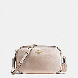 COACH CROSSBODY POUCH IN PEBBLE LEATHER - IMITATION GOLD/PLATINUM - F65988