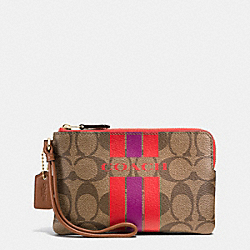 COACH COACH VARSITY STRIPE CORNER ZIP WRISTLET IN SIGNATURE - IMITATION GOLD/KHAKI/WATERMELON - F66052
