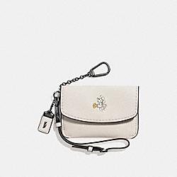 COACH MICKEY ENVELOPE KEY POUCH IN GLOVETANNED LEATHER - DARK GUNMETAL/CHALK - F66146