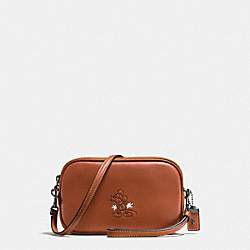 MICKEY CROSSBODY CLUTCH IN GLOVETANNED LEATHER - f66150 - DK/1941 Saddle