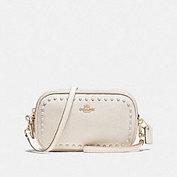 SADIE CROSSBODY CLUTCH WITH LACQUER RIVETS - LI/CHALK - COACH F66154
