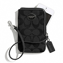 COACH SIGNATURE NORTH/SOUTH UNIVERSAL CASE - ONE COLOR - F66201