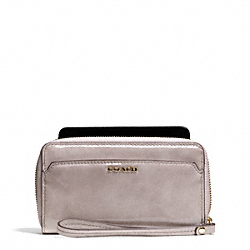 COACH MADISON PATENT LEATHER EAST/WEST UNIVERSAL CASE - LIGHT GOLD/GREY BIRCH - F66227