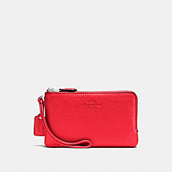 COACH DOUBLE CORNER ZIP WRISTLET IN PEBBLE LEATHER - SILVER/BRIGHT RED - F66505