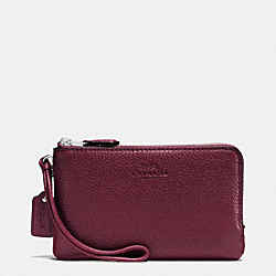 COACH DOUBLE CORNER ZIP WRISTLET IN PEBBLE LEATHER - SILVER/BURGUNDY - F66505
