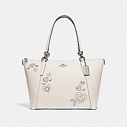 AVA TOTE WITH HEART BANDANA RIVETS - CHALK MULTI/SILVER - COACH F66871