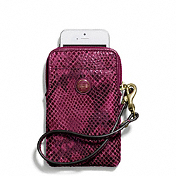COACH SIGNATURE STRIPE EMBOSSED SNAKE UNIVERSAL PHONE CASE - BRASS/RASPBERRY - F67040