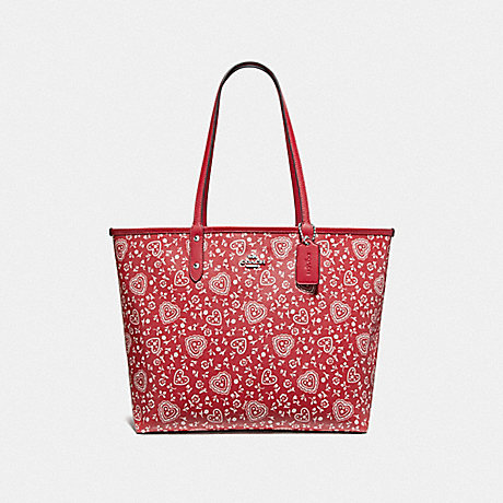 COACH REVERSIBLE CITY TOTE WITH LACE HEART PRINT - RED MULTI/RED/SILVER - F67482