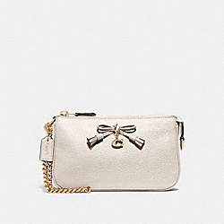 LARGE WRISTLET 19 - CHALK/LIGHT GOLD - COACH F67695