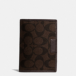 COACH PASSPORT CASE IN HERITAGE SIGNATURE COATED CANVAS - MAHOGANY/BROWN - F68667