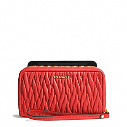 MADISON EAST/WEST UNIVERSAL CASE IN GATHERED TWIST LEATHER - LIGHT GOLD/LOVE RED - COACH F69436