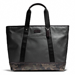 COACH HERITAGE SIGNATURE CANVAS WEEKEND TOTE - ONE COLOR - F70832