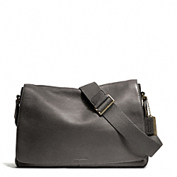 COACH BLEECKER PEBBLED LEATHER COURIER BAG - BRASS/GRANITE - F71070