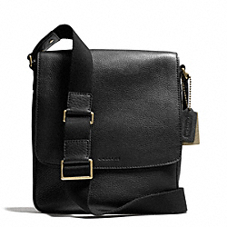 BLEECKER PEBBLED LEATHER MAP BAG - BRASS/BLACK - COACH F71095