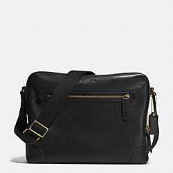 BLEECKER FLIGHT BAG IN LEATHER - BRASS/BLACK - COACH F71373
