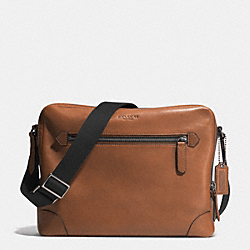 BLEECKER FLIGHT BAG IN LEATHER - BK/FAWN - COACH F71373