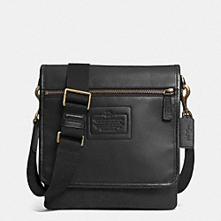 COACH CATSKILL TABLET CROSSBODY - BRASS/BLACK - F71478