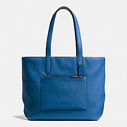 METROPOLITAN SOFT TOTE IN PEBBLE LEATHER - f72299 - DENIM/BLACK