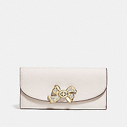 SLIM ENVELOPE WALLET WITH BOW TURNLOCK - CHALK - COACH F72902