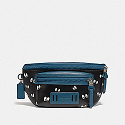 DISNEY X COACH TERRAIN BELT BAG WITH SNOW WHITE AND THE SEVEN DWARFS EYES PRINT - BLACK/MULTI - COACH F72956