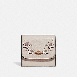 SMALL WALLET WITH FLORAL APPLIQUE - CHALK MULTI/IMITATION GOLD - COACH F73381