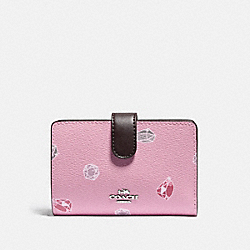 DISNEY X COACH MEDIUM CORNER ZIP WALLET WITH SNOW WHITE AND THE SEVEN DWARFS GEMS PRINT - TULIP/MULTI/SILVER - COACH F73467
