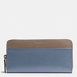 COACH BLEECKER ACCORDION WALLET IN HARNESS LEATHER - FROST BLUE/WET CLAY - F74821