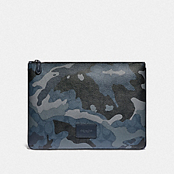 LARGE POUCH IN SIGNATURE CANVAS WITH CAMO PRINT - BLUE MULTI/BLACK ANTIQUE NICKEL - COACH F76950