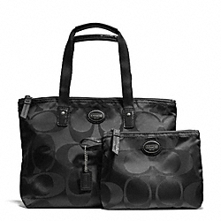 COACH GETAWAY SIGNATURE NYLON SMALL PACKABLE TOTE - ONE COLOR - F77322