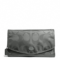 COACH GETAWAY SIGNATURE NYLON COSMETIC KIT - SILVER/GREY - F77392