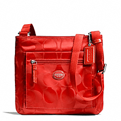 COACH GETAWAY SIGNATURE NYLON FILE BAG - SILVER/VERMILLION - F77408