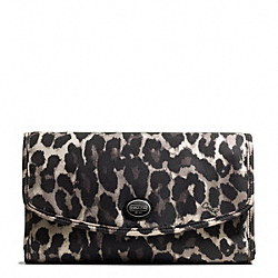 COACH GETAWAY OCELOT PRINT COSMETIC KIT - ONE COLOR - F77428