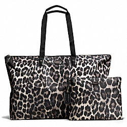 GETAWAY OCELOT PRINT LARGE PACKABLE WEEKENDER COACH F77437